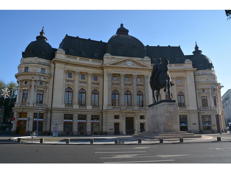 Piazza della Rivoluzione: Carol I, principe di Romania
